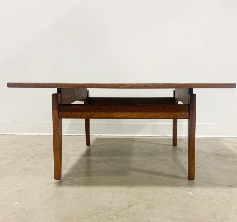 Jens Risom Walnut Square Coffee Table In Excellent Condition For Sale In Kalamazoo, MI