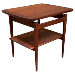 Jens Risom Walnut T-490 Floating Top End Table