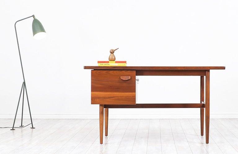 Mid-Century Modern Jens Risom Walnut Writing Desk For Sale