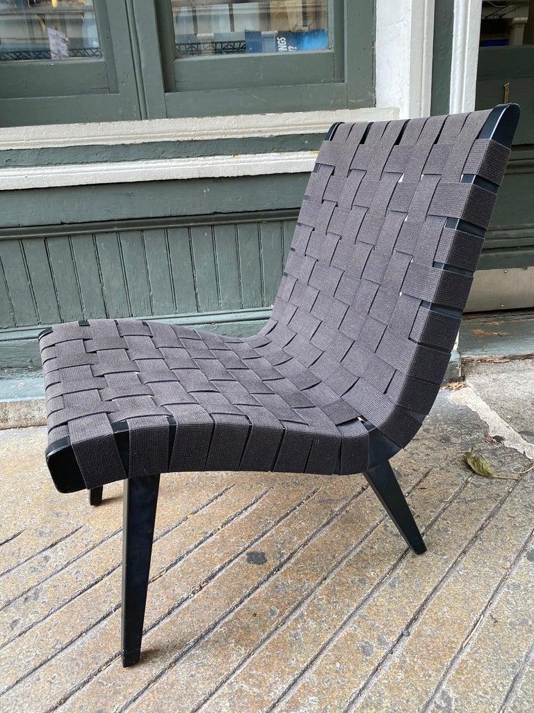 Mid-Century Modern Jens Risom Webbed Lounge Chair For Sale