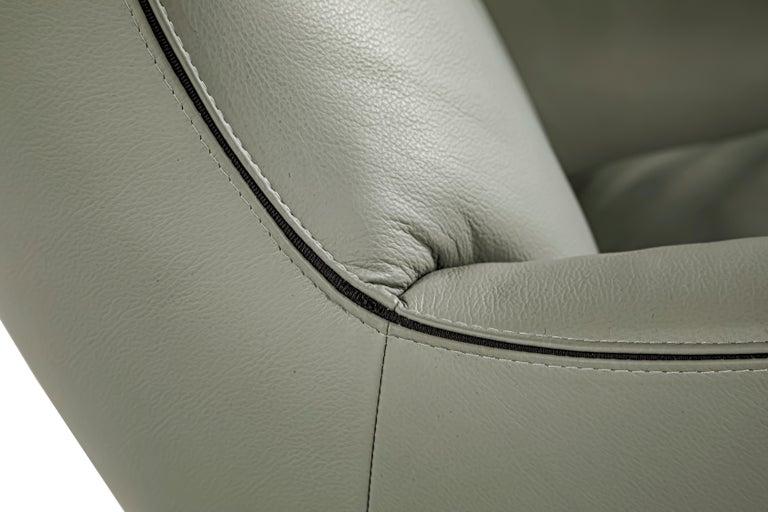 Modern Jensen lounge chair by Rodolfo Dordoni for Minotti 2011 For Sale
