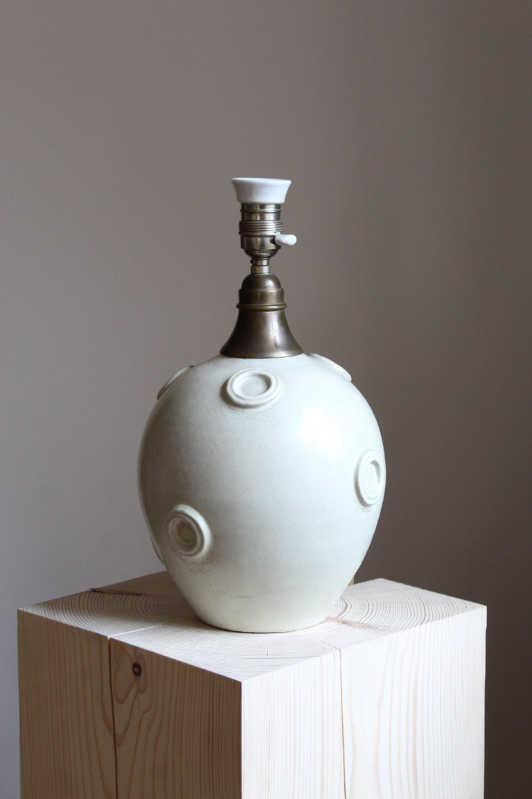 Scandinavian Modern Jerk Werkmäster, Large Table Lamp, Stoneware, Brass, Nittsjö, Sweden, 1930s For Sale