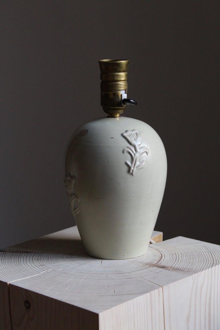 Swedish Jerk Werkmäster, Table Lamp, Glazed Stoneware, Linen, Nittsjö, Sweden, 1930s For Sale