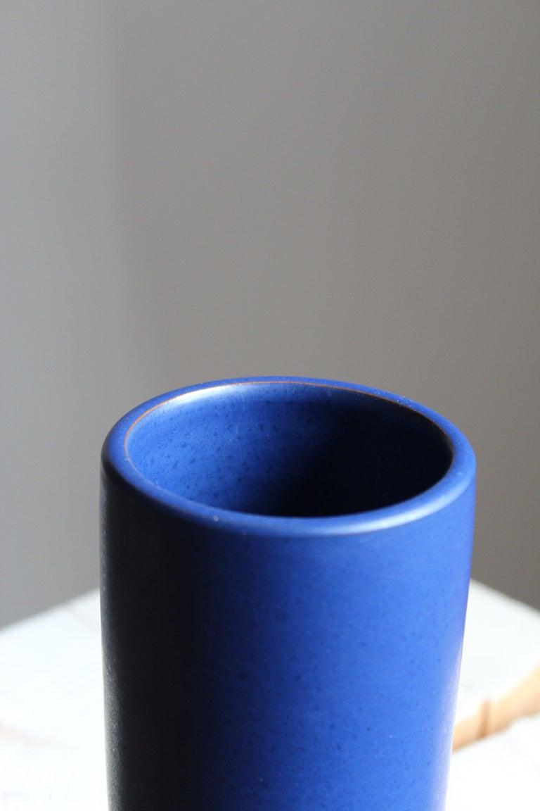 Jerk Werkmäster, Vase, Blue Glazed Ceramic, Nittsjö, Sweden, 1940s In Good Condition For Sale In West Palm Beach, FL