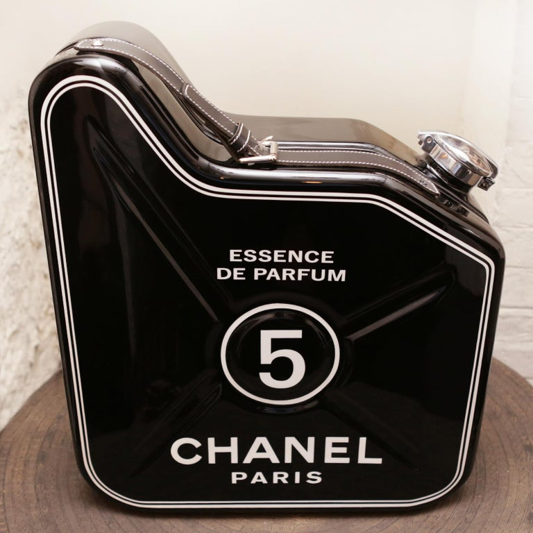 Jerrican Chanel N°5 Black Art Piece in Limited Edition In New Condition For Sale In Paris, FR