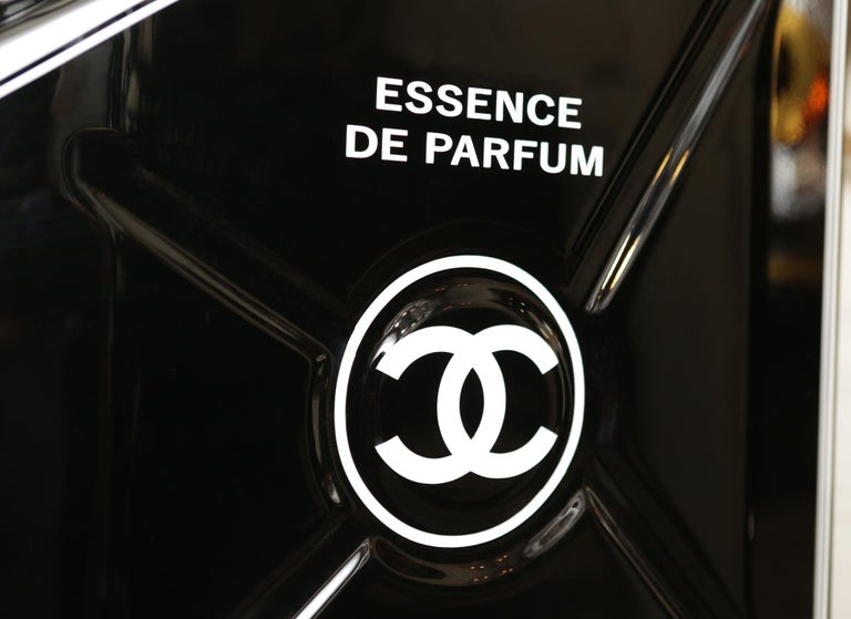 Jerrican Chanel N°5 Black Art Piece in Limited Edition For Sale 2