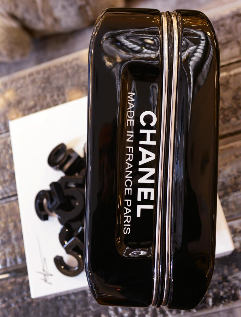 Jerrican Chanel N°5 Black Sculpture on Base Art Piece in Limited Edition For Sale 5