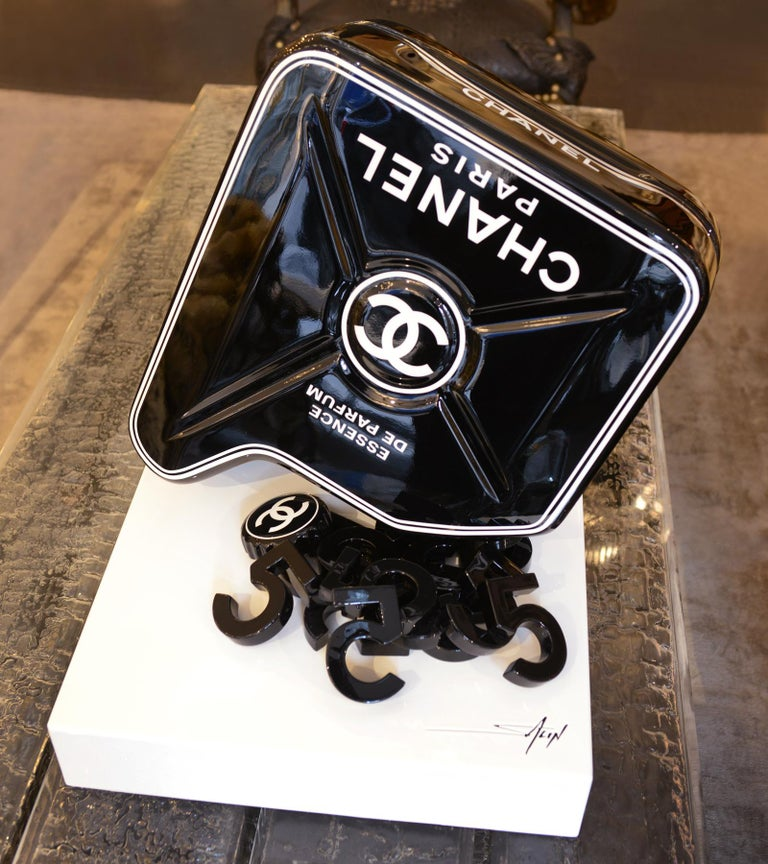 Dutch Jerrican Chanel N°5 Black Sculpture on Base Art Piece in Limited Edition For Sale