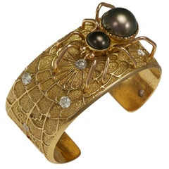 Jesse Monongya, Unique Diamond, Pearl and Gold Spider Bracelet