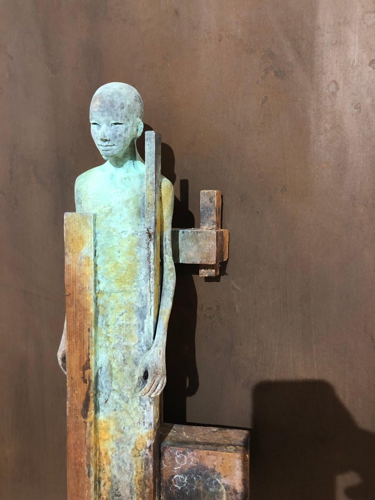 Dialogo II - Bronze Wall Sculpture With Verdegris, Rust Patina and 2 Figures For Sale 2