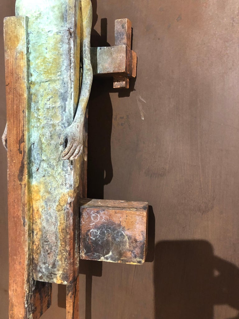Dialogo II - Bronze Wall Sculpture With Verdegris, Rust Patina and 2 Figures For Sale 3