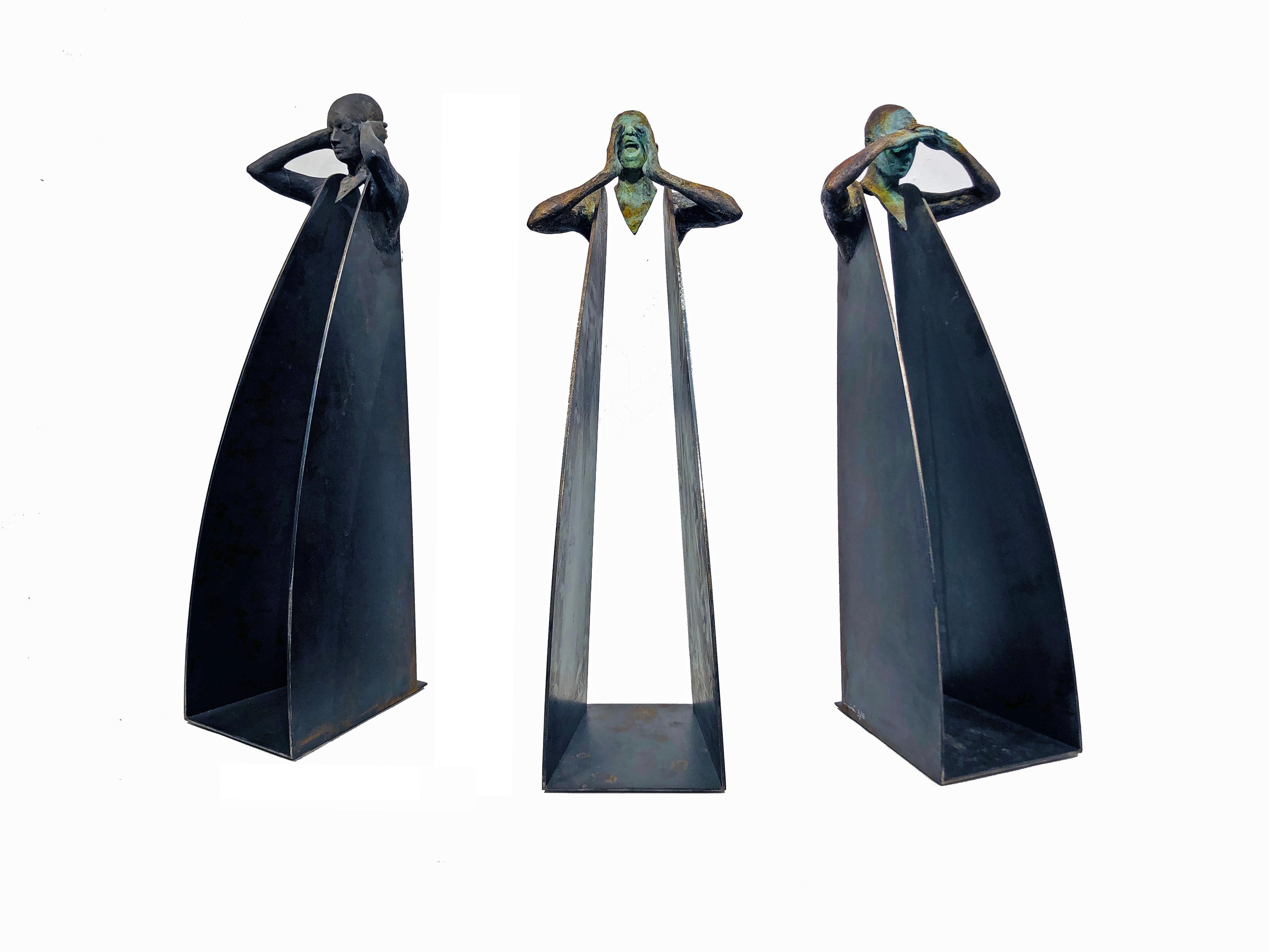 Horizonte Grito Sordo - Three Figural Contemporary Bronze and Steel Sculptures