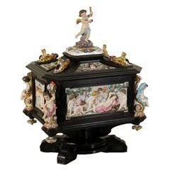 Jewel Box Ebony Capodimonte Ceramic, Italy, Second Half of the 1800s