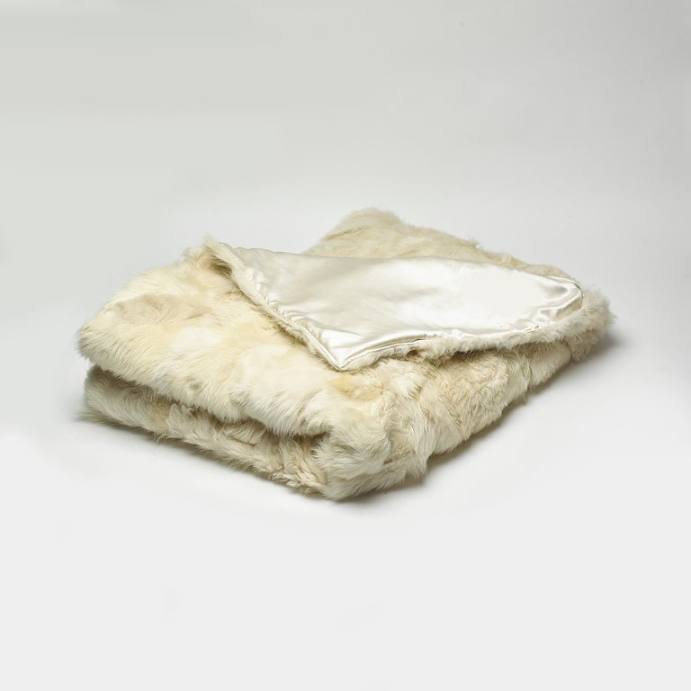 Contemporary JG Switzer Toscana Sheep Fur White Throw Backed with Lambswool/Cashmere For Sale
