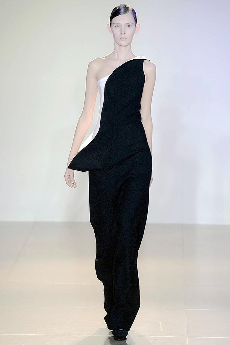Women's Jil Sander Runway J-Lo One Shoulder Sculptured Showstopper Dress Gown For Sale