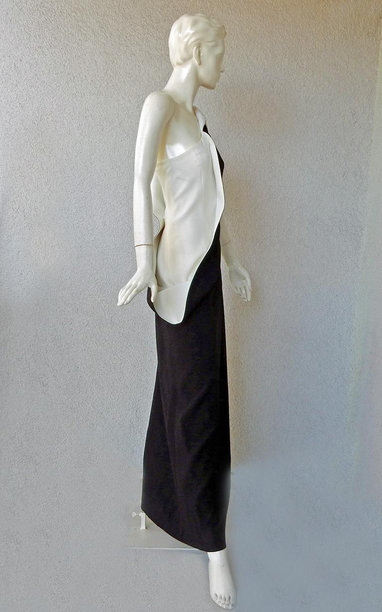 Jil Sander Runway J-Lo One Shoulder Sculptured Showstopper Dress Gown For Sale 1