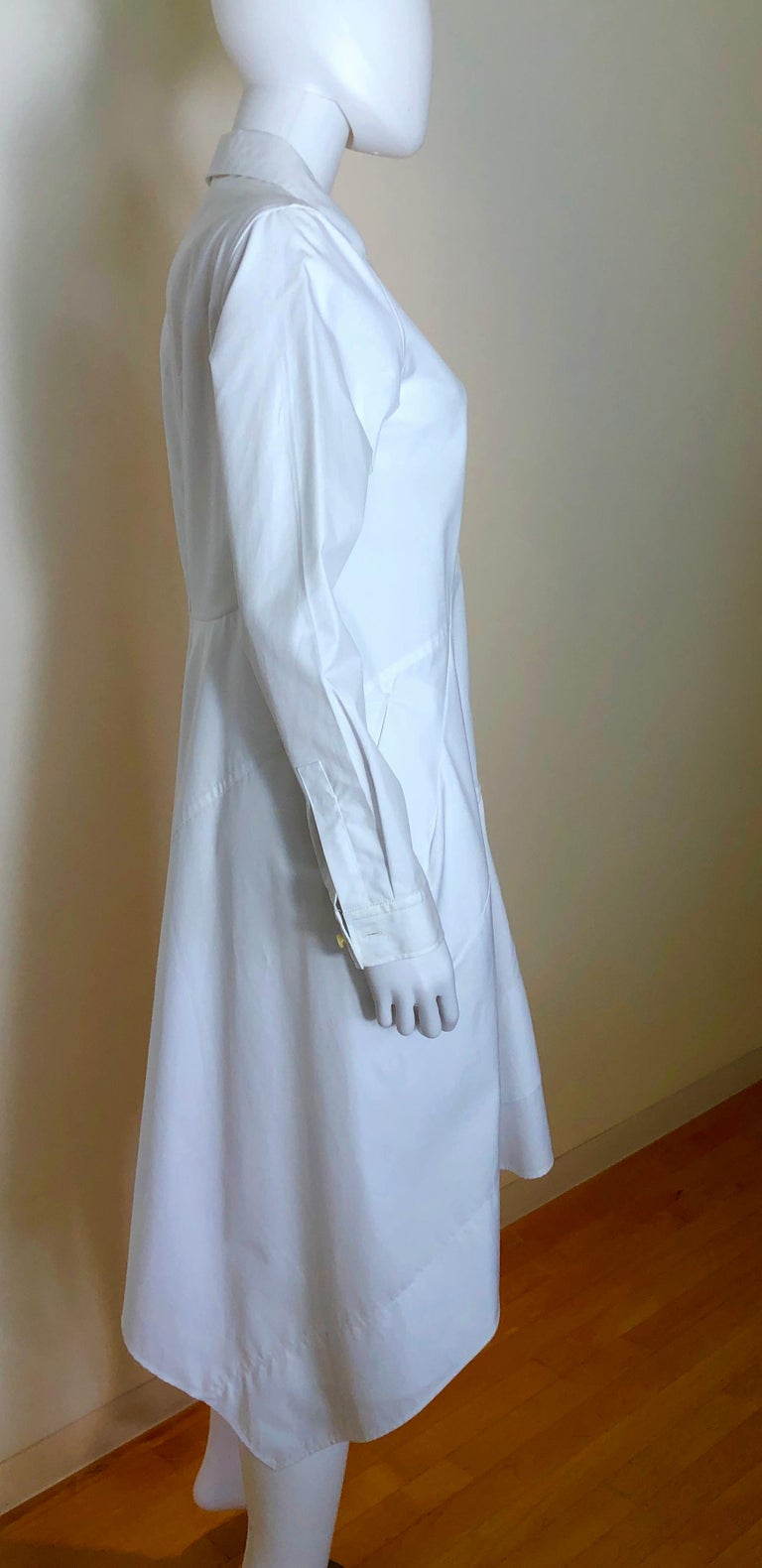 Jil Sander White Cotton Long Sleeve Button Down Handkerchief Causal Dress In Good Condition For Sale In Houston, TX