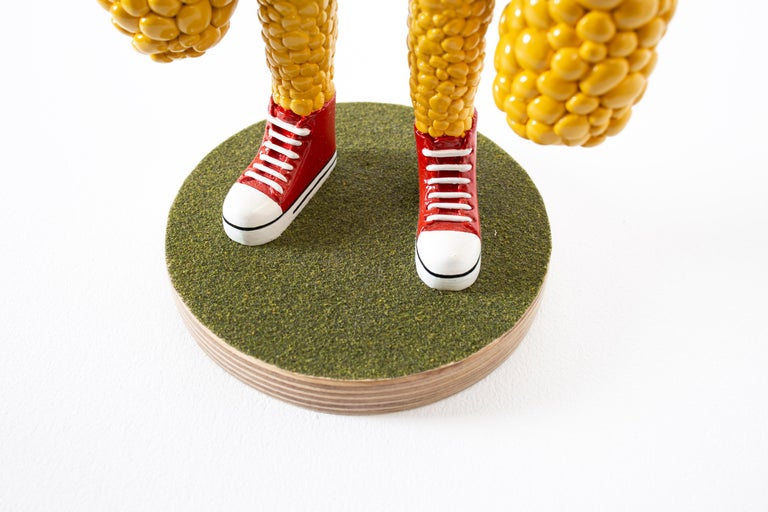 «Are we growing apart?» Figurative Sculpture by Norwegian artist Jim Darbu For Sale 6