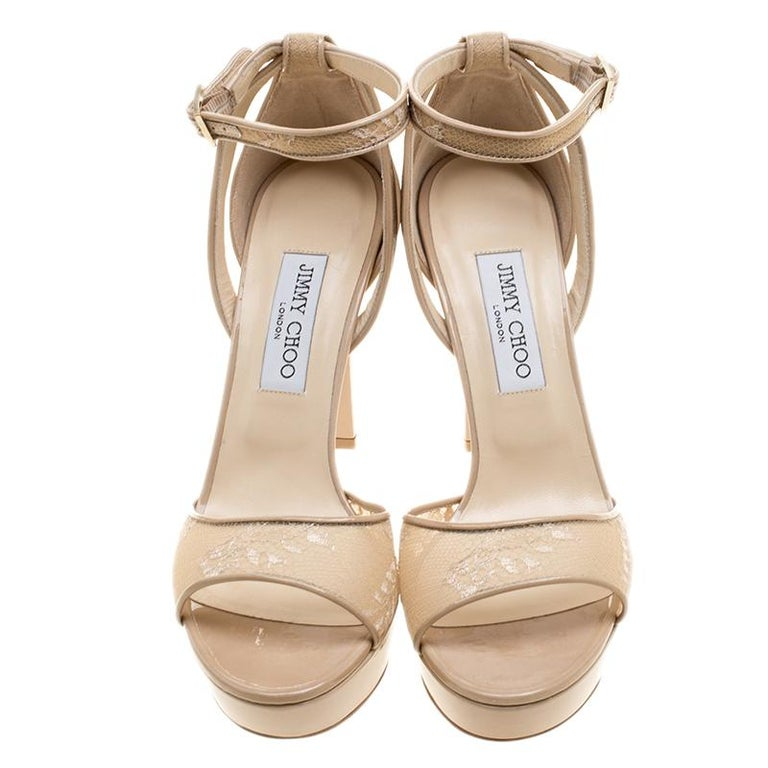 Jimmy Choo Beige Lace and Patent Leather Kayden Ankle Strap Platform Sandals Siz In Good Condition For Sale In Dubai, Al Qouz 2