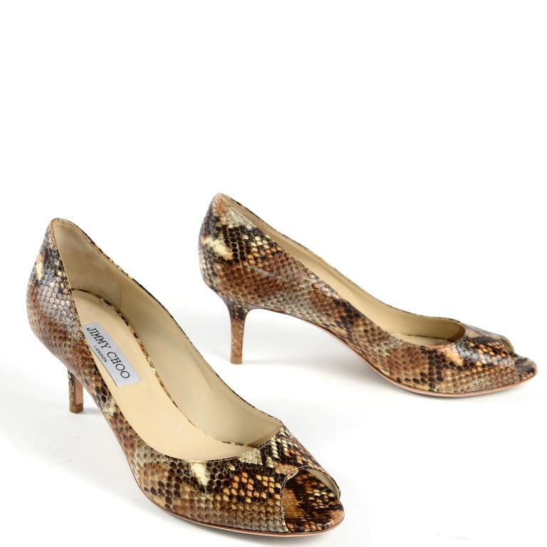 Jimmy Choo Isabel Python Snakeskin Peep Toe Kitten Heel Shoes Size 38.5 In Good Condition For Sale In Portland, OR