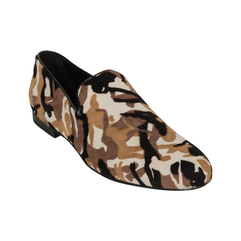 Guaranteed authentic Jimmy Choo Sloane pony camouflage mens loafer. Classic clean lines in sand colours accentuated with black. Comes with box and sleeper. NEW or NEVER WORN.  final sale  SIZE 43 USA SIZE 10  CONDITION: NEW or NEVER WORN