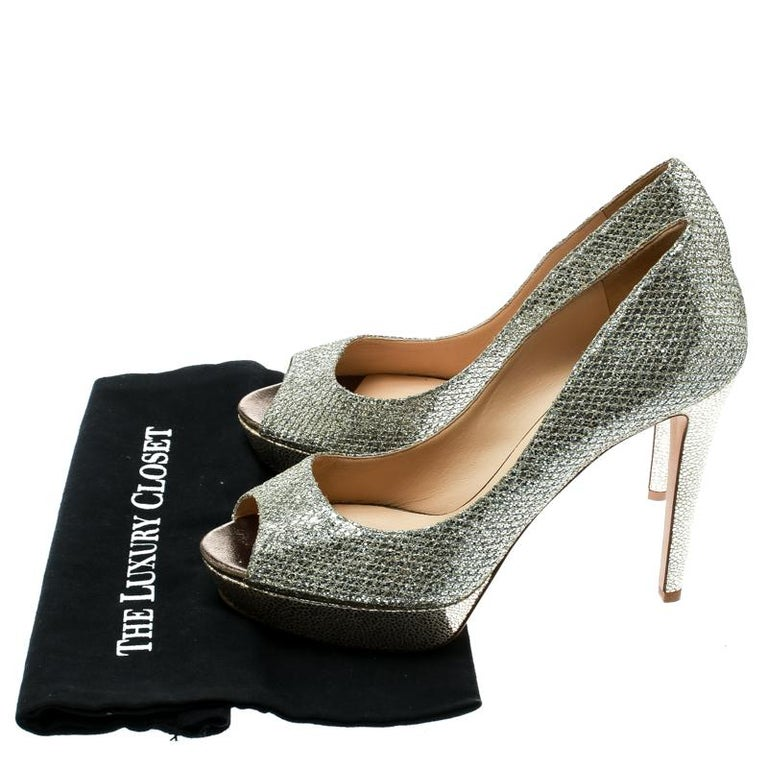Jimmy Choo Metallic Gold Lamè Fabric Dahlia Peep Toe Platform Pumps Size 40.5 For Sale 4