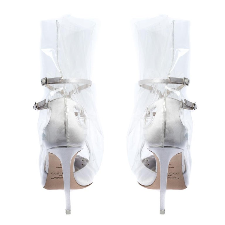 Jimmy Choo X OFF-WHITE Pearl White/Clear Satin and TPU Claire Pumps Size 38 In Excellent Condition For Sale In Dubai, Al Qouz 2