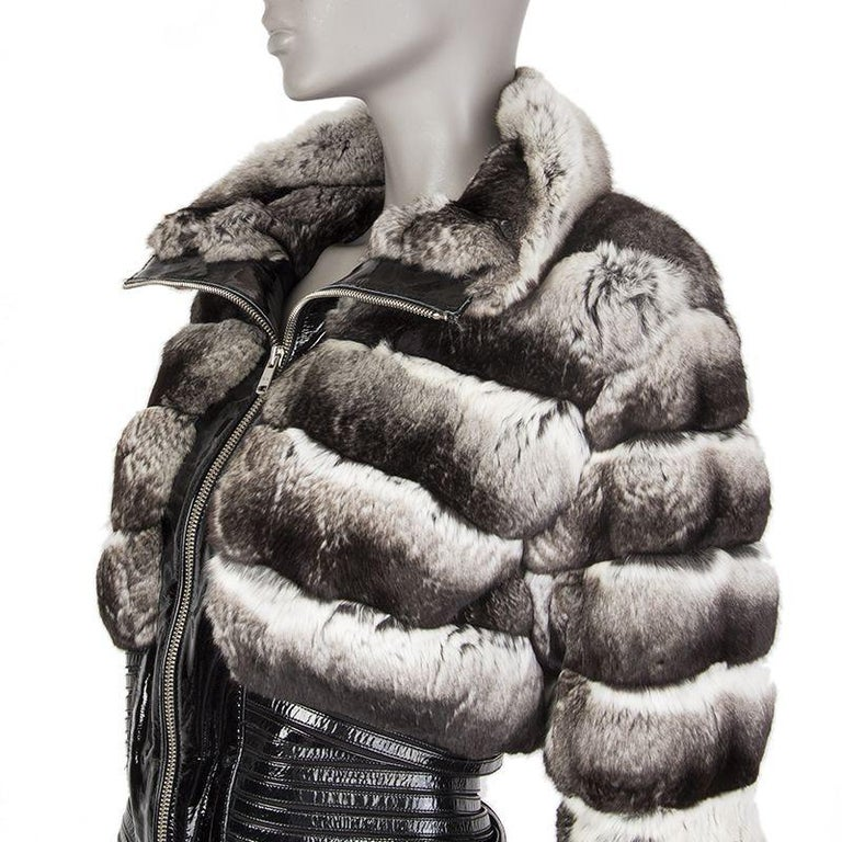 JITROIS silver CHINCHILLA FUR & Patent Leather Jacket Sz. F 36 / XS In Excellent Condition For Sale In Zürich, CH
