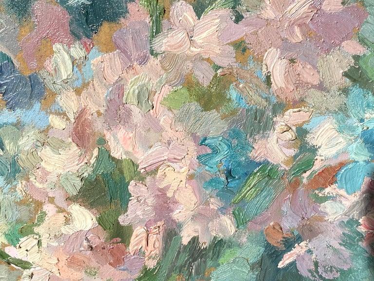French impressionist painting - école de Paris - Floral Still Life with fan For Sale 1