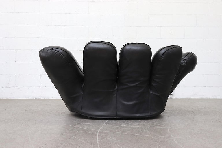'Joe' Baseball Glove Black Leather Lounge Chair by Poltronova In Good Condition For Sale In Los Angeles, CA