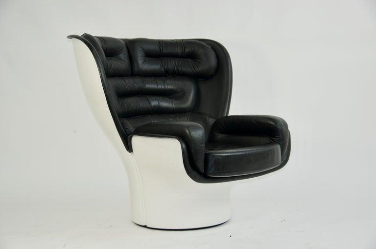 Joe Colombo black leather Elda chair, 1963, Italy Leather cushions. Fiberglass shell sits upon hidden swivel base.