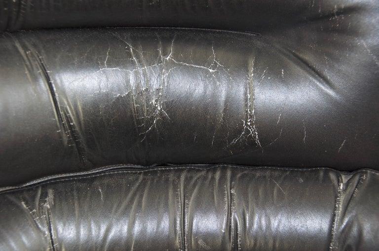 20th Century Joe Colombo Black Leather Elda Chair For Sale