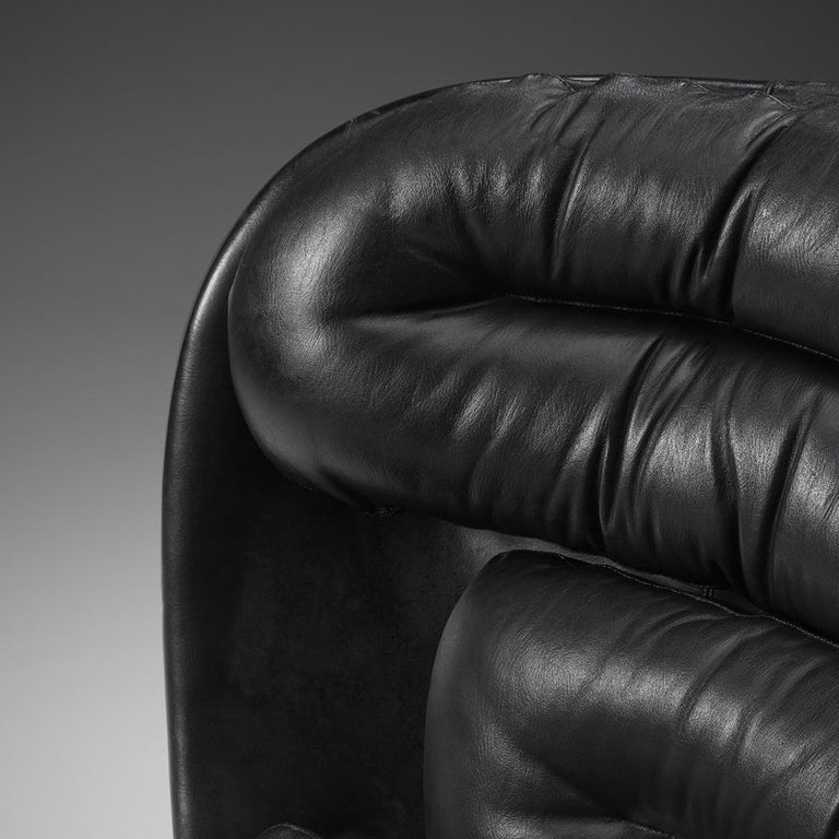 Mid-Century Modern Joe Colombo Iconic 'Elda' Lounge Chair in Black Leather and Fiberglass For Sale