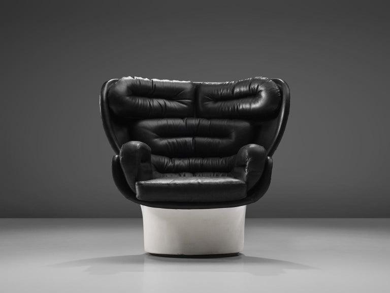 Italian Joe Colombo Iconic 'Elda' Lounge Chair in Black Leather and Fiberglass For Sale