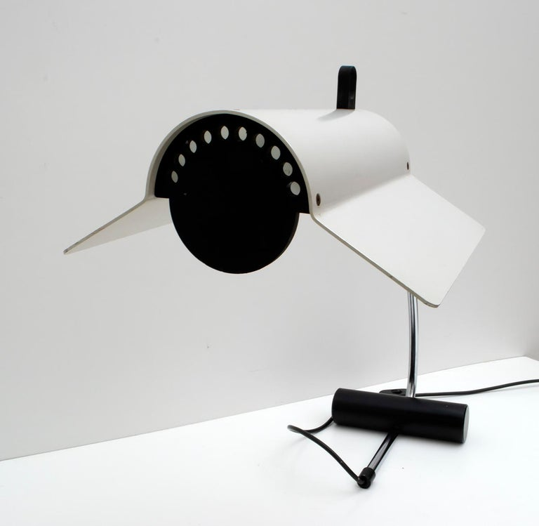 Joe Colombo Mid-Century Modern Italian Table Lamp, 1960s For Sale 5