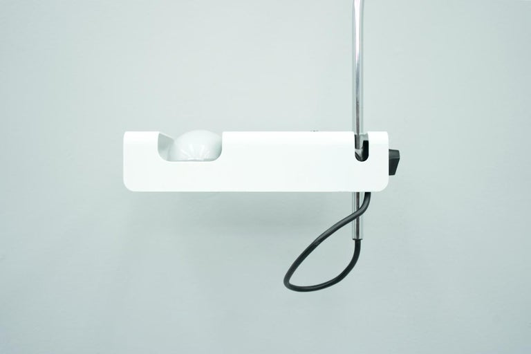 Very nice height-adjustable spider arc lamp as wall mount, Joe Colombo for O-Luce, Italy, 1967.