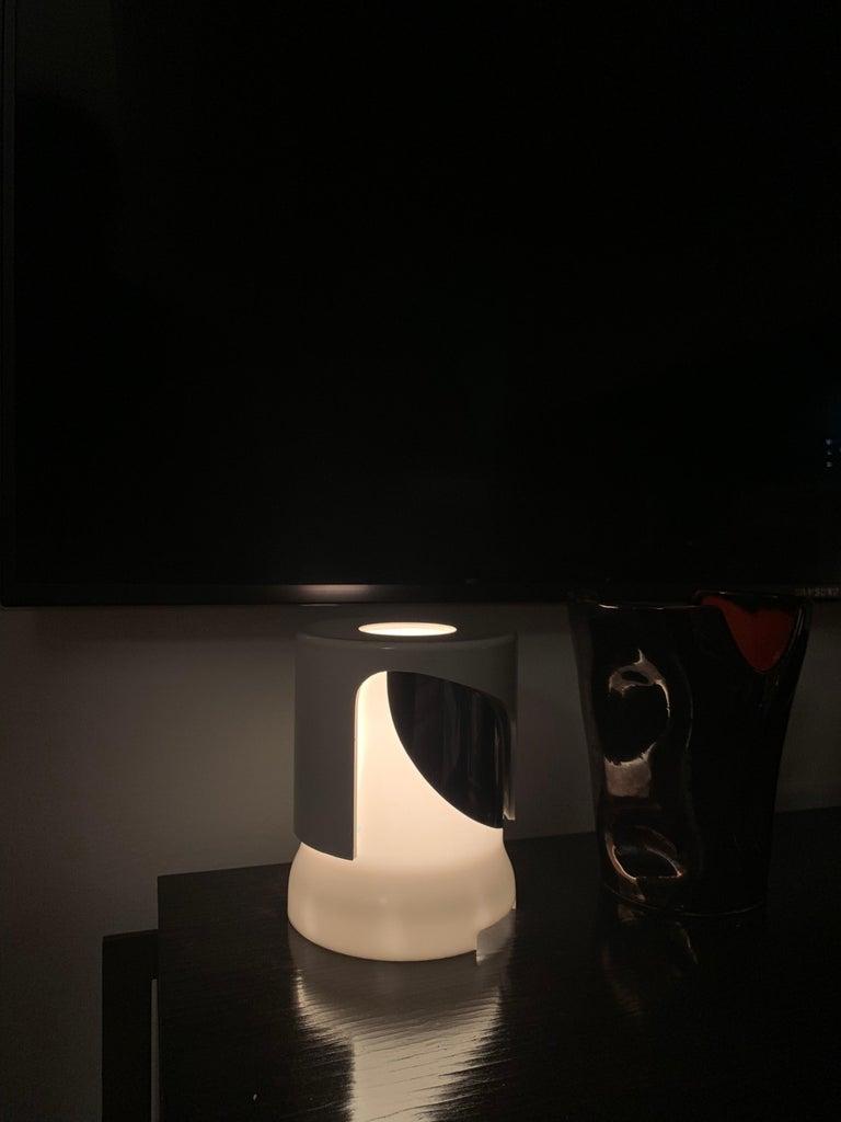 Italian Joe Colombo Table Lamp, Model 4024/5 For Sale