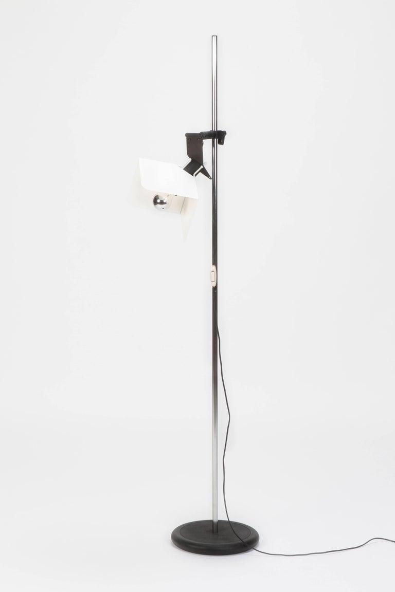"Joe Colombo ""Triedro"" Floor Lamp Stilnovo, 1970s For Sale 10"