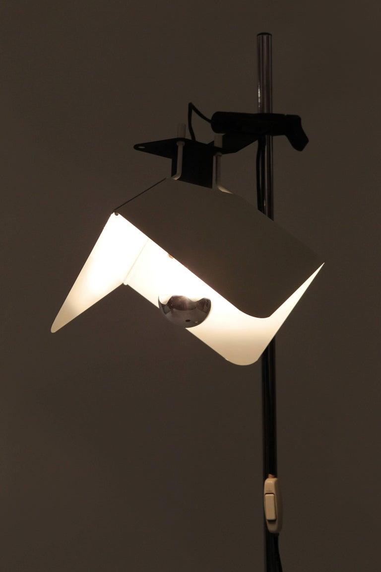 """Mid-Century Modern Joe Colombo """"Triedro"""" Floor Lamp Stilnovo, 1970s For Sale"""