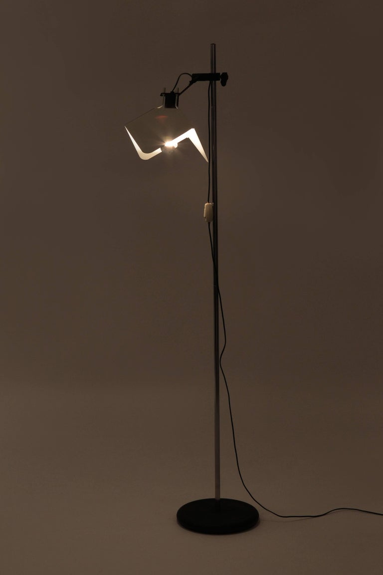 "Joe Colombo ""Triedro"" Floor Lamp Stilnovo, 1970s In Good Condition For Sale In Basel, CH"