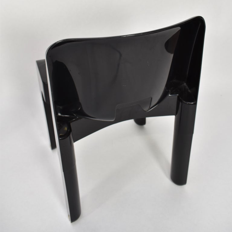 Joe Colombo Universale Plastic Chairs by Kartell, Italy, 1967 For Sale 4