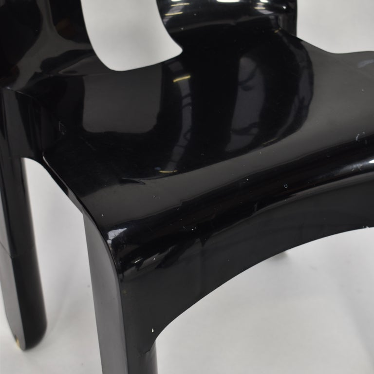 Joe Colombo Universale Plastic Chairs by Kartell, Italy, 1967 For Sale 5
