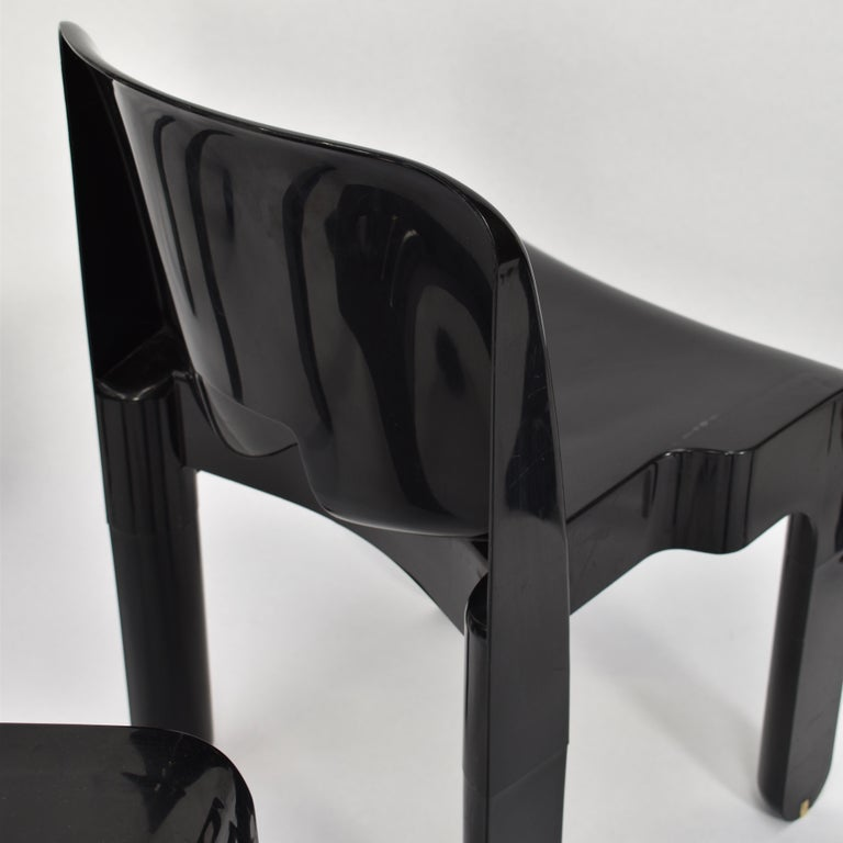 Joe Colombo Universale Plastic Chairs by Kartell, Italy, 1967 For Sale 2