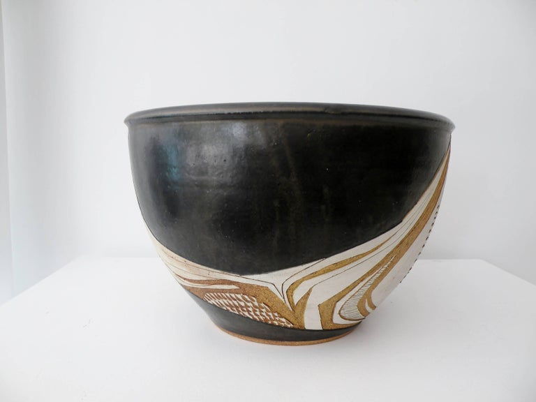 Mid-Century Modern Joel Edwards Abstract California Studio Pottery Large Bowl or Planter For Sale