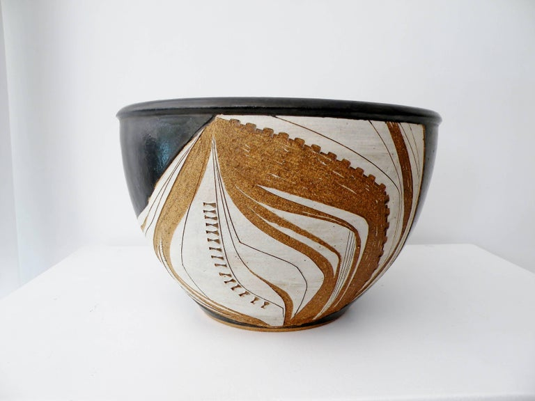 American Joel Edwards Abstract California Studio Pottery Large Bowl or Planter For Sale