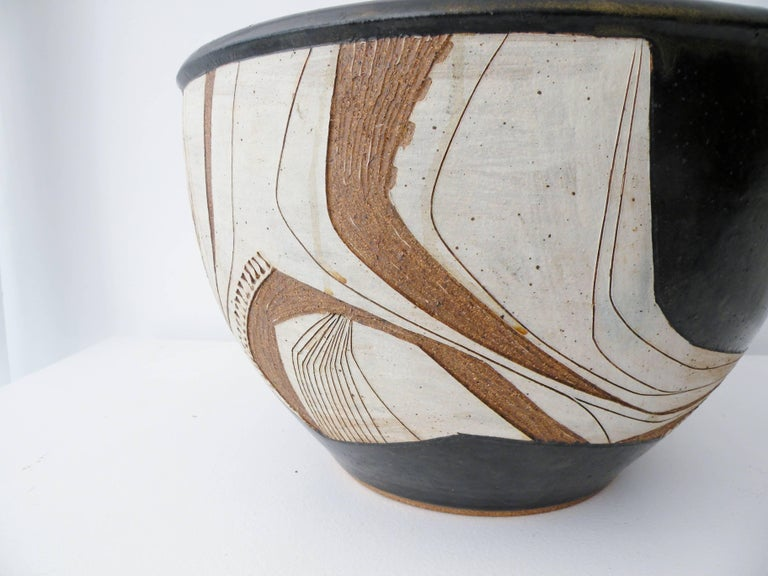 20th Century Joel Edwards Abstract California Studio Pottery Large Bowl or Planter For Sale