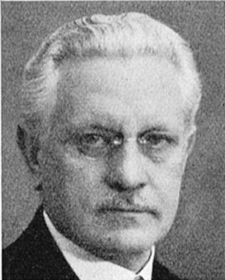 Joel Norborg, Library Table, Oak & Oak, Sweden, 1910 For Sale 4