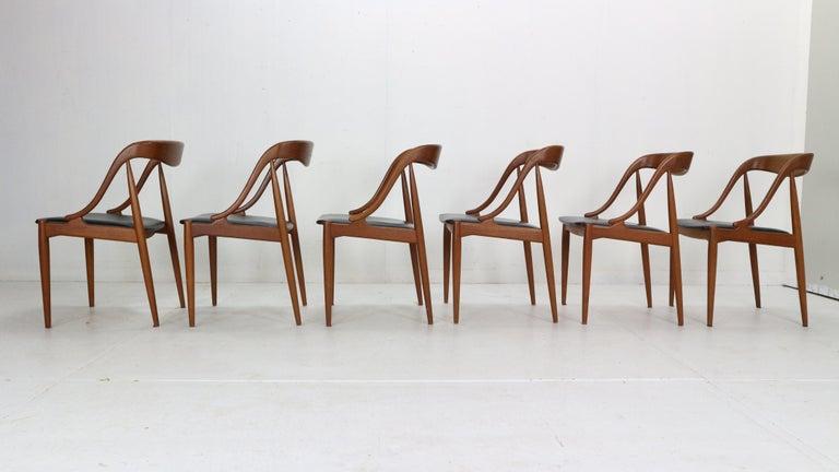 Johannes Andersen 6 Teak Dinning Chairs for Uldum Møbelfabrik, 1960s, Denmark In Good Condition For Sale In The Hague, NL