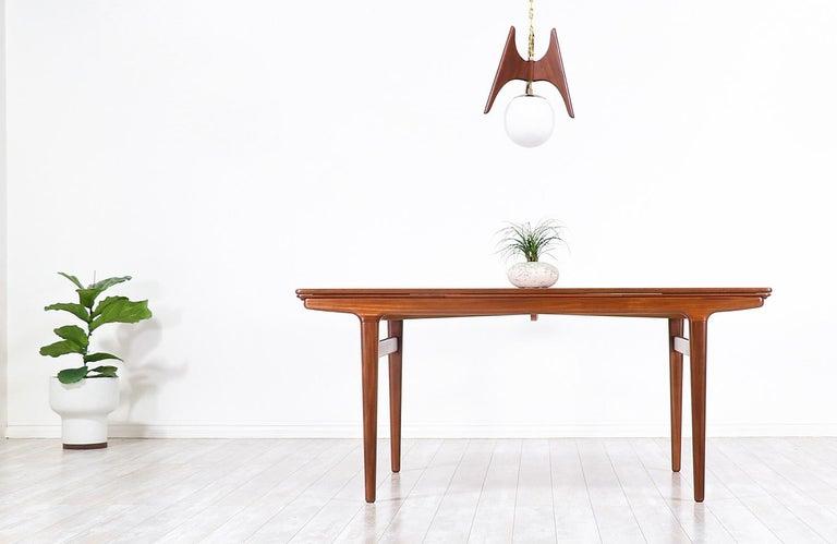 Mid-20th Century Johannes Andersen Draw Leaf Dining Table for Uldum Møbelfabrik For Sale