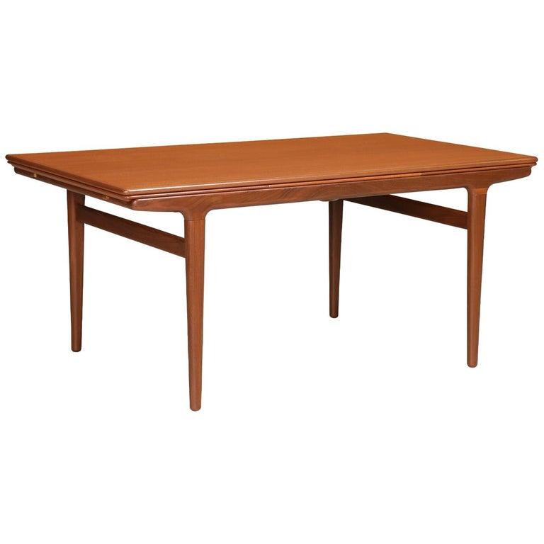 Johannes Andersen Draw Leaf Dining Table for Uldum Møbelfabrik For Sale
